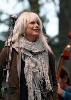 Emmylou Harris - great scarf