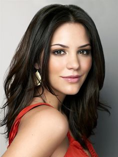 Katherine McPhee - cute hair and fresh makeup. So glad she's a brunette, not a blonde!