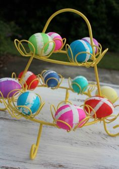 #DIY Ikat Easter Egg Tutorial #crafts #easter