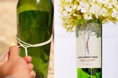 Como fazer vaso de flores com garrafas