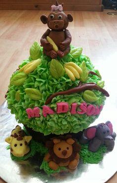 jumbo jungle cupcake