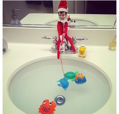 Elf On The Shelf. (fishing in the sink) Funny idea for christmas!