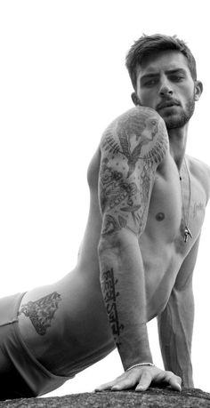 Hombres con tatuajes = muy f*******