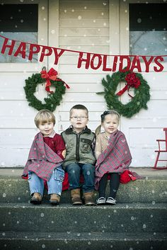 Lovely outdoor kiddo shot on the porch with holiday decorations. Can be set up quick so the kids don't have to be all bundled up. Love it!