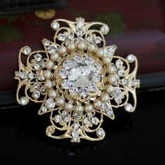 Bridal Brooch Pearls and crystals