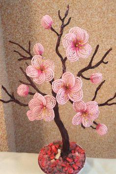 Сакура из бисера для цветка