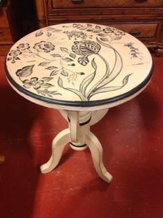 Beige/Black Painted Side Table