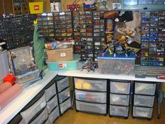 LEGO Room-Oh My Goodness! Talk about a Lego fanatic