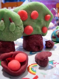 Play dough recipes & a year's worth of play ideas