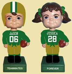 No. Way. Personalized #Baylor bobble head wedding cake toppers?! #SoMuchSicEm
