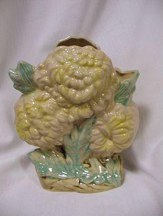 McCoy yellow Chrysanthemum Vase –