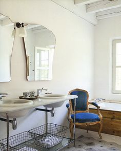 double sinks // double mirrors