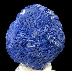 Azurite / Chessy-les-Mines, France  Mineral Friends