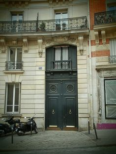 Paris, 59 Rue Lepic