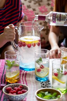 Turn up your summer party with an Electric Raspberry Lemonade recipe. 15 oz. Smirnoff Raspberry Flavored Vodka, 10 oz. sour mix, 10 oz. lemon-lime soda, 20 oz. seltzer lemon wheels. Mix ingredients in large pitcher. Top with lemon wheels & serve over ice.