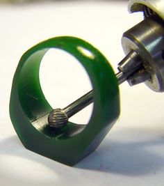 This tutorial instructs how to carve a wax model ring used for casting into??????