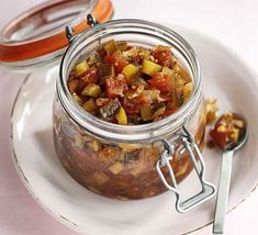 Spiced courgette chutney