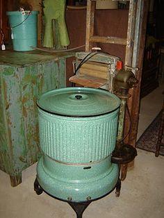Vintage 1932 green washer! I love it!