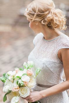 lace, wedding dressses, hairstyles, bridal bouquets, bridal beauty, dresses, flowers, photography, fine flower