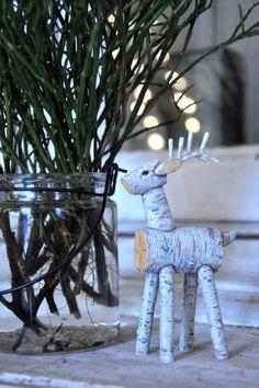 birch tree reindeer- so cute! diy ideas, reindeer, birches, tree, gamla skolan, christmas, diy craft, dens, den gamla