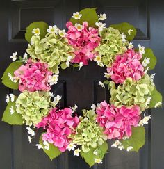 Hydrangea Wreath (just trying to get some ideas for Mother's Day). I could do this.