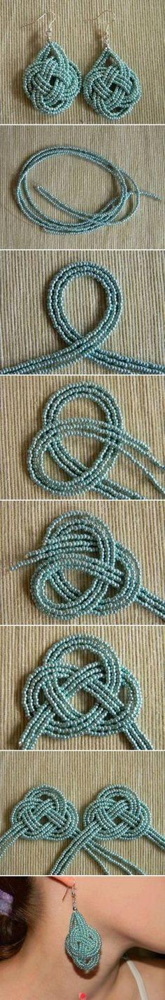 Boucles d'oreille en petites perles tressées