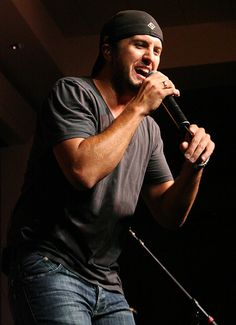 Luke Bryan Concert at Dover Downs 8/8/08