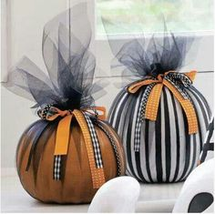 Ribbon and tulle pumpkins- how cute and easy!