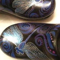 hand paint, mine shoe, art project, anchorag alaska, dansko shoe, dragonfli inspir