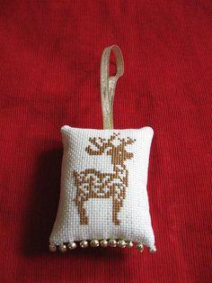 Renne de Noel Christmas Cross stitch ornament by passionfruitprincess, via Flickr