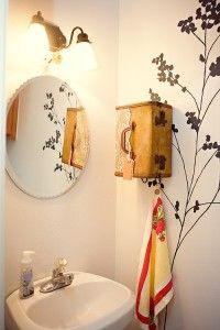 armarito para baño #DIY #decoracion #vintage #maletas antiguas #repurposed #upcycled