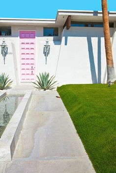 Palms Springs House / Amazing House / Love Pink Door / Cactus / Perfect Design