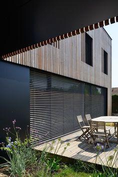 Villa B. Architects: Tectoniques Architects. Location: Lyon, France. Year: 2013. Photographs: Erick Saillet.