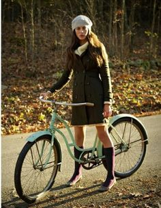 I want that bike...with a basket in the front of course ;)