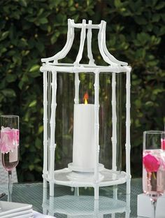 Chilly breezes are part of spring, but don't let them put a damper on your party. If your event is in the evening, torches and hurricane lanterns impart a golden glow with their ambient light.