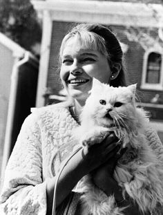 Mia Farrow and cat