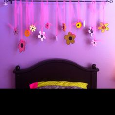 Easy deco above bed