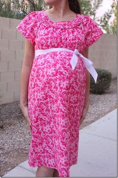 Sew your own maternity hospital gown tutorial- so much cuter! @Molly Hensley, I am making this for you! :) Blue instead of pink, of course!