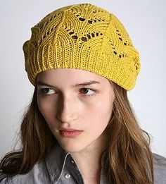 Knit hat in yellow
