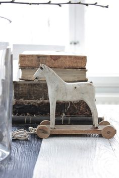 pull toy horse and books....