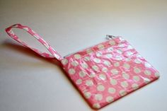 {Tutorial} Zippered Duct Tape Wristlet - As The Bunny Hops