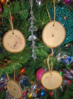 Rustic 4 Weddings: DIY Wood Christmas Ornaments