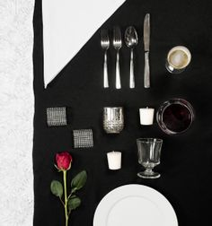 #Modern black and white #tablescape grid