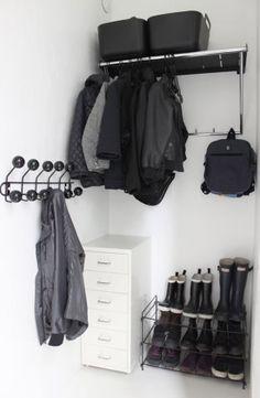 Poppytalk: Cool IKEA Hack: Coat Rack