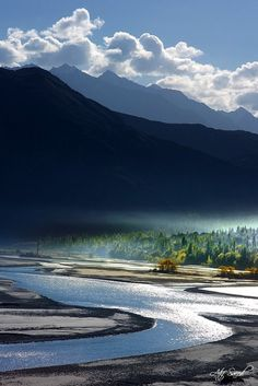 Indus River, Khaplu, Pakistan    Morning.. (by Atif Saeed)