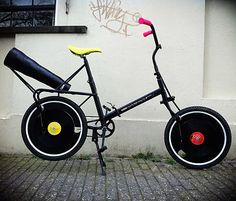 a bicycle that plays records on its wheels i want this!!!