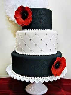 white cake, frosting techniques, cake decorating tutorials, elegant cakes, red flowers, cupcake tips, cupcake frosting, black white red, red black