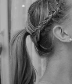 Ponytail with lace braid (nothing at source)
