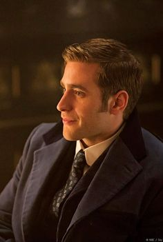 Oliver Jackson-Cohen as Jonathan Harker in Dracula TV Series - Pictures From Sky Living HD