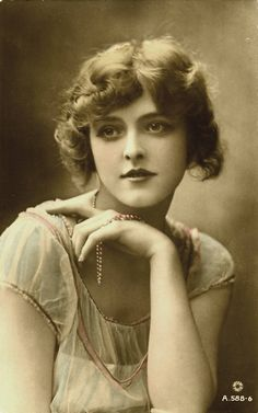 Constance Worth - British actress and stage beauty who also acted in silent films from 1919 to 1922.